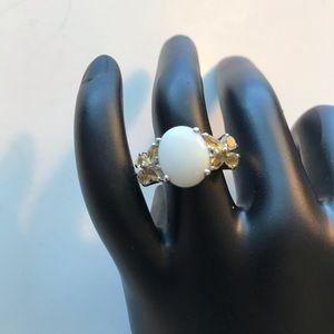 Women's size 6 ring